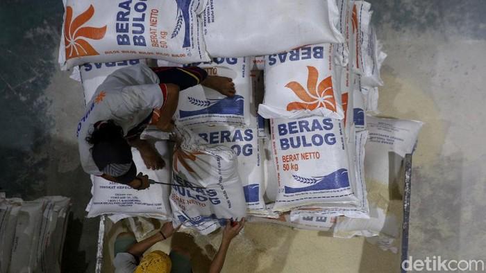 Upaya Bulog untuk meningkatkan kualitas beras salah satunya dengan operasikan mesin Rice To Rice. Lewat mesin itu diharapkan beras Bulog memiliki kualitas baik.