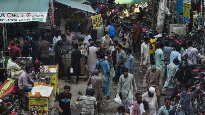 Kasus Corona di Pakistan mulai turun (AFP Photo)