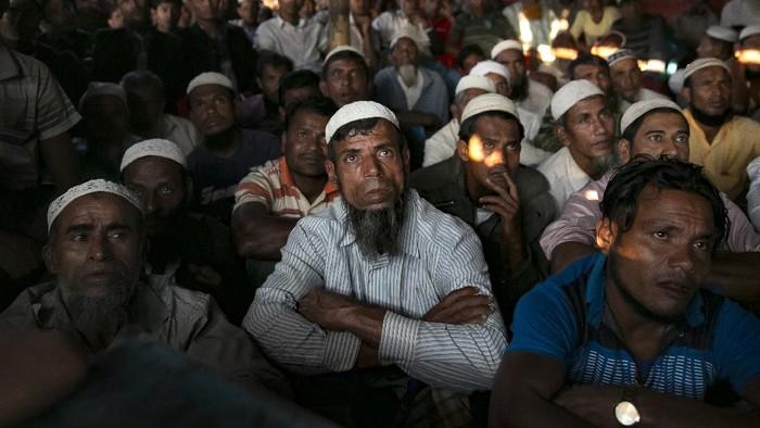 Para pengungsi Rohingya meminta agar Mahkamah Pidana Internasional menggelar persidangan kasus ini lebih dekat dengan lokasi kejadian.