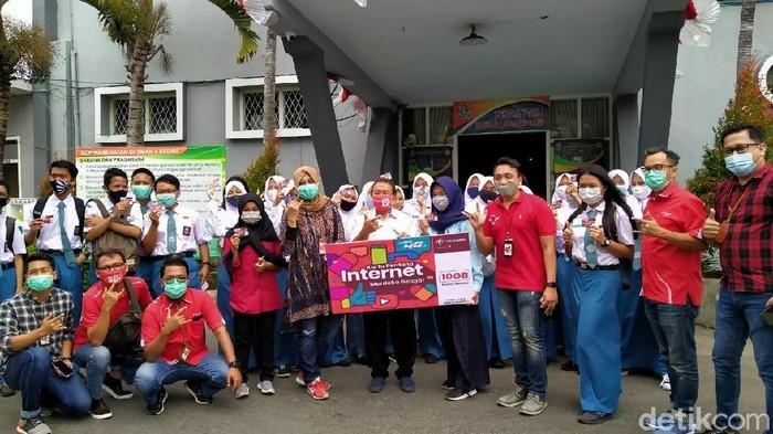 Lebih dari 200 Kartu Gratis Telkomsel sudah dibagi di Jawa Timur
