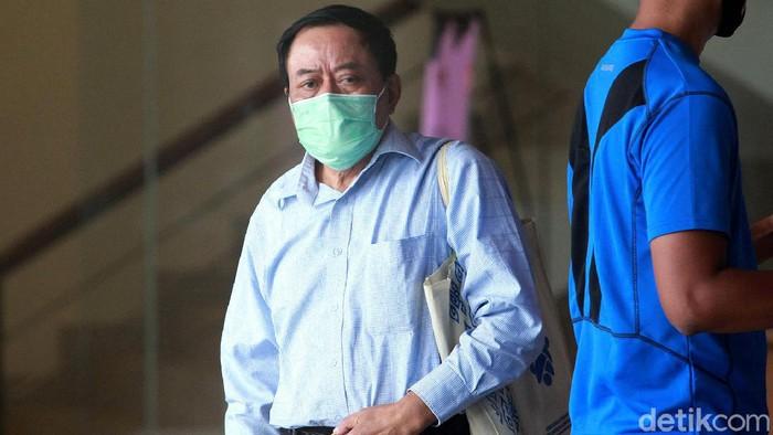 Pengusaha Andi Sukandi menjalani pemeriksaan di gedung KPK. Ia diperiksa terkait kasus dugaan korupsi di PT Dirgantara Indonesia (persero).