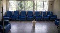 RS pasien kanker di Venezuela jatuh bangun bertahan dari pandemi COVID-19. Selain berjuang sembuh dari penyakit, pasiennya pun berjuang menghindari virus Corona