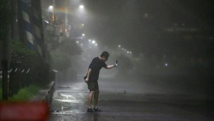 Topan Maysak terjang Korea Selatan (AFP Photo)