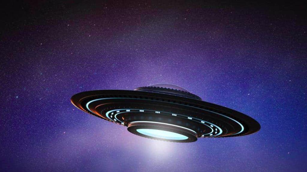 UFO Berwarna Biru Lintasi Langit Hawaii
