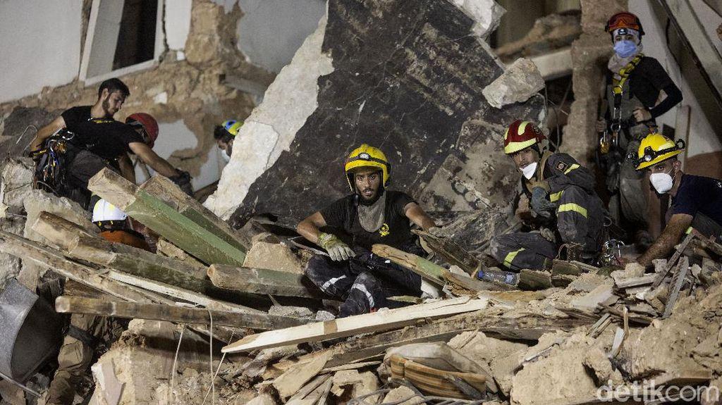 Ajaib! Ada Tanda Kehidupan di Balik Reruntuhan Ledakan Lebanon