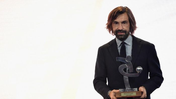 MILAN, ITALY - DECEMBER 03: Andrea Pirlo receives the Oscar Del Calcio AIC Italian Football Awards on December 3, 2018 in Milan, Italy.  (Photo by Pier Marco Tacca/Getty Images)