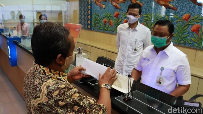 Hari Pelanggan Nasional 2020 diperingati di seluruh Kota di Indonesia, salah satunya di Kota Bandung, Jawa Barat.