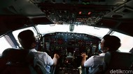 Curhat Pilot Saat Pandemi: Gila! Kami Satu-satunya Pesawat di Langit