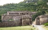Benteng ini dikutuk oleh penyihir jahat yang bernama Singhiya. (Getty Images/iStockphoto)