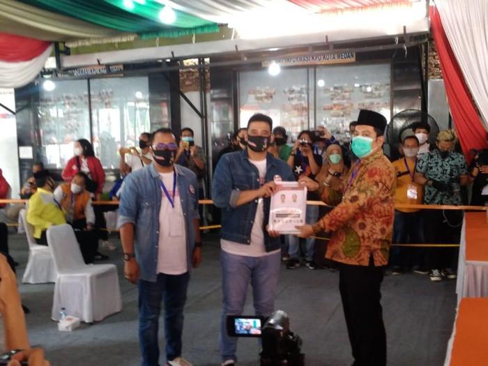 Bobby Nasution datang ke KPU Medan (Datuk Haris Molana-detikcom)