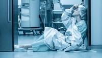 Momen Pilu Saat Nakes Harus Memilih Pasien Mana yang Masuk ICU