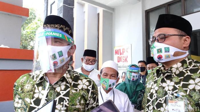 Bupati petahana Rembang Abdul Hafidz dan wakilnya M Hanies Cholil Baro resmi daftar Pilkada Rembang 2020