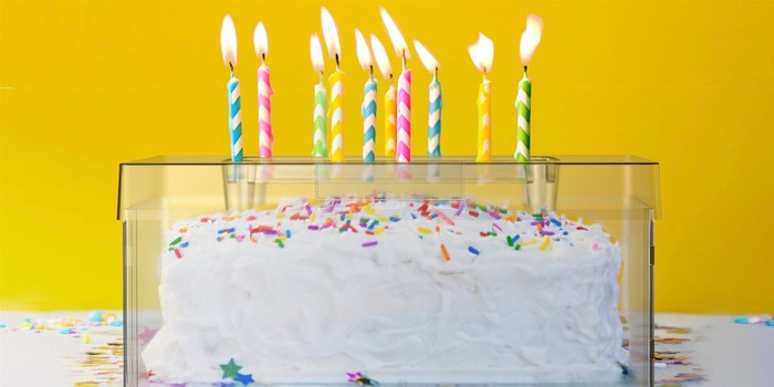 Cake Shield Alat pelindung kue ulang tahun