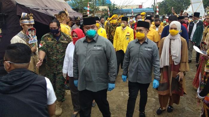 di Damasnyah-Rendi Solihin mendaftarakan diri sebagai bakal pasangan calon (bapaslon) bupati dan wakil bupati di Pilkada Kutai Kartanegara (Kukar),