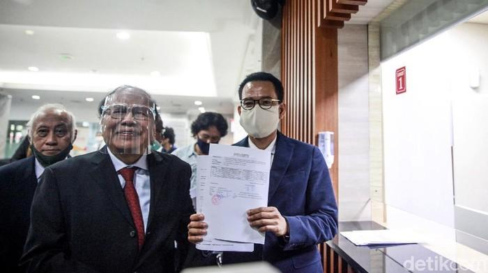 Rizal Ramli mendatangi Mahkamah Konstitusi hari ini, Jumat (4/9/2020). Kedatangannya untuk mengajukan uji materi terkait syarat presidential threshold.