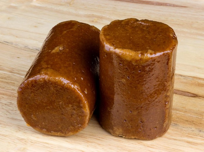 saus dari santan kelapa dan gula aren
