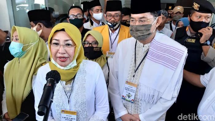 Istri Bupati Semarang, Bintang Narsasi Mundjirin resmi daftar Pilbup 2020