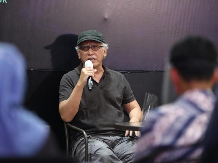 Iwan Fals meluncurkan novel Air Mata Api