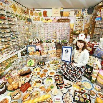 Koleksi Makanan Plastik Terbanyak di Dunia