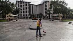 DKI Jakarta akan kembali menerapkan PSBB seperti awal Pandemi Corona. Berikut prediksi potensi buruk jika tak dilakukan rem darurat untuk kembali PSBB.
