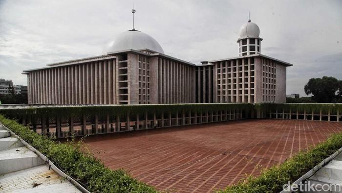 Renovasi Masjid Istiqlal telah rampung. Kini masjid kebanggaan Indonesia itu makin terlihat megah. Begini penampakannya.
