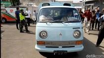 Ade Sugianto-Cecep Tunggangi Mobil Tua Daftar ke KPU Tasikmalaya