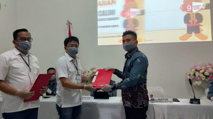 Pilkada Manado, Andre Angouw-Richard Sualang Pendaftar Pertama di KPU (Foto: Angel/detikcom)