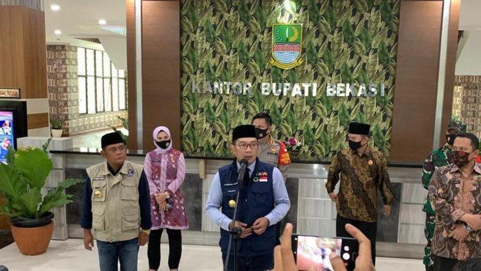 Ridwan Kamil di Kantor Bupati Bekasi (Antara)