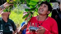 Awapy Uru Eu Wau Wau tumbuh jauh di dalam hutan hujan Amazon. Pria berusia 28 tahun itu berasal dari suku beranggotakan 250 orang yang disebut Uru-Eu-Wau-Wau. Ia kini bisa mengoperasikan drone.