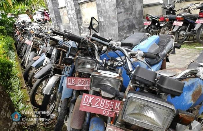 Lelang kendaraan di Bagian Protokol dan Komunikasi Pimpinan Kabupaten Klungkung