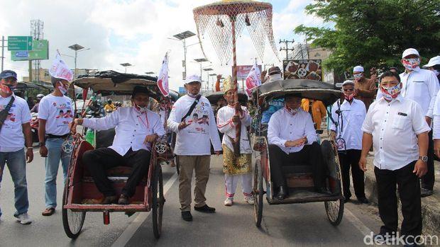 Sahbirin Noor-H Muhidin dan Denny Indrayana-Difriadi Darjat mendaftar ke KPU Kalsel