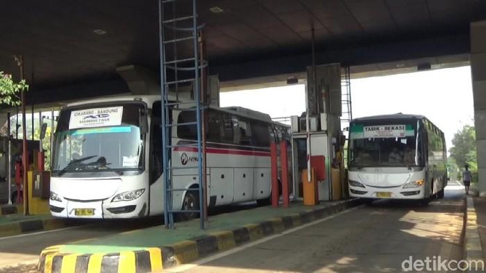 Sopir angkutan umum curhat soal kenaikan tarif tol