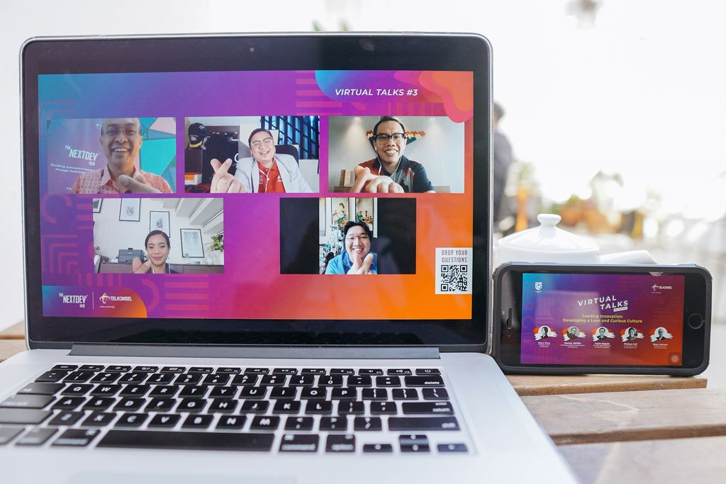 Meski dihantam pandemi COVID-19, Telkomsel berupaya memajukan ekosistem digital di Indonesia melalui The NextDev Hub Virtual Talks.
