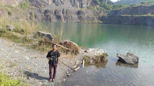 Danau ini mempunyai kedalaman 27 meter. (Foto: Gema Bayu Samudra/dtraveler)