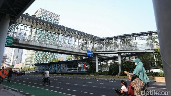 Jembatan Penyeberangan Orang (JPO) Bank Indonesia akan dibongkar. Pembongkaran dilakukan terkait proyek pembangunan MRT Fase II.
