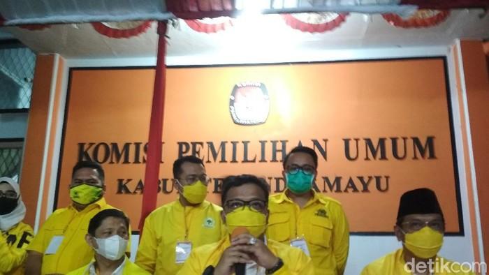Pasangan Daniel-Taufiq menutup pendaftaran paslon Pilkada Indramayu