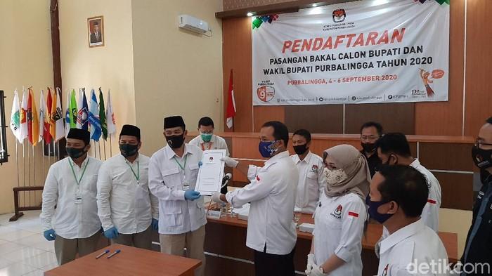 Pasangan Sulhan-Zaini mendaftar ke KPU Purbalingga