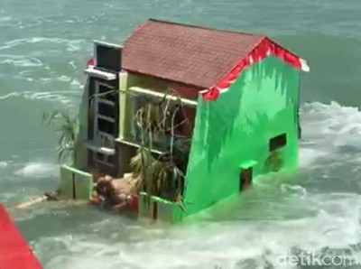 Ritual Sedekah Laut, Nelayan Kota Tegal Larung Lima Kepala Kerbau