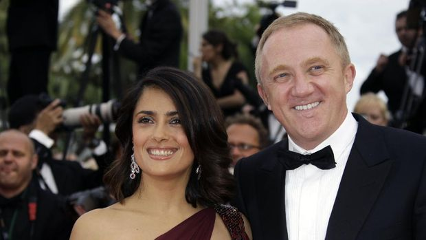 Actress Salma Hayek and husband Fran?ois-Henri Pinault arrive at the premiere for the film