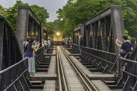Wisatawan bisa turun di beberapa perhentian dan menanti saat kereta ini lewat. (Getty Images/iStockphoto)