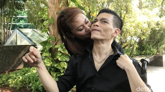 El Ibnu dan Sarah saat ditemui di kawasan Trans TV.