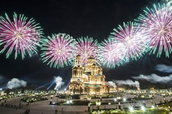 Meski begitu, Festival Musik Militer Internasional Menara Spasskaya tetap diadakan dengan meriah.