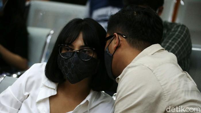 Vanessa Angel menjalani sidang kasus kepemilikan narkoba di PN Jakarta Barat, Senin (7/9). Sidang kali ini beragendakan mendengarkan keterangan saksi.
