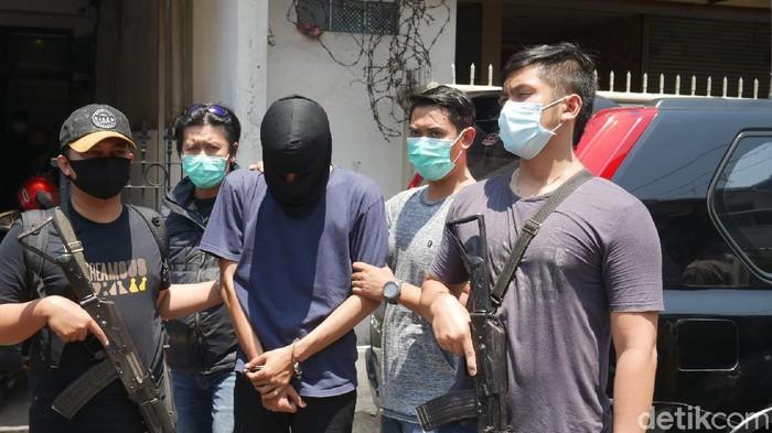 Pemuda Bandung Produksi Gorilla