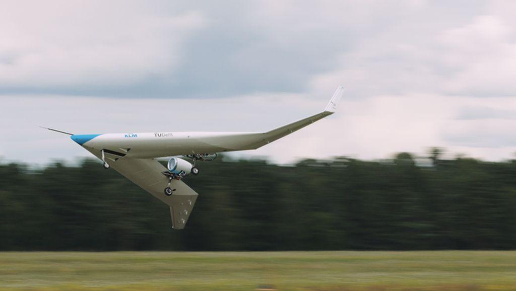 Pesawat Masa Depan, Penumpang Duduk di Sayap