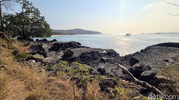 Pulau Kunti juga bisa menjadi spot mancing. Selain itu, hutan yang ada di Pulau Kunti juga terdapat flora dan fauna yang langka dan dilindungi.