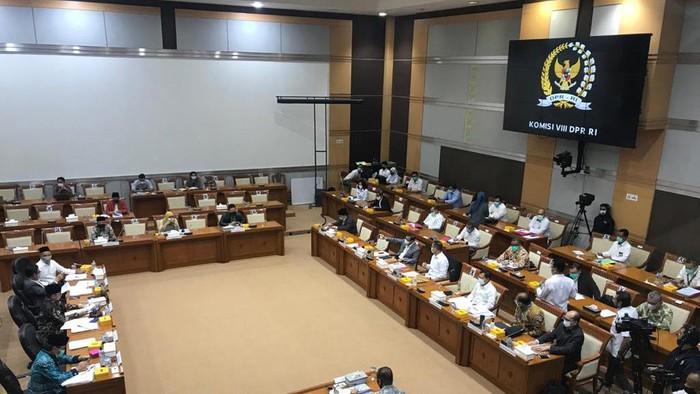 Rapat pembahasan RUU Penanggulangan Bencana di Komisi VIII DPR