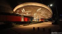 Senayan Park Mall atau SPARK Mall ini berlokasi di Jl. Gerbang Pemuda No.3, RT.1/RW.3, Gelora, Kecamatan Tanah Abang, Kota Jakarta Pusat, Daerah Khusus Ibukota Jakarta 10270.