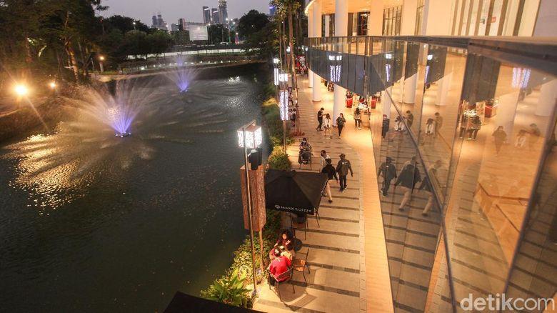 Senayan Park Mall atau SPARK Mall
