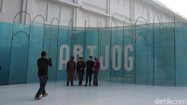 Setelah melalui serangkaian proses verifikasi, ARTJOG: Resilience akhirnya mendapat izin untuk dibuka bagi umum.